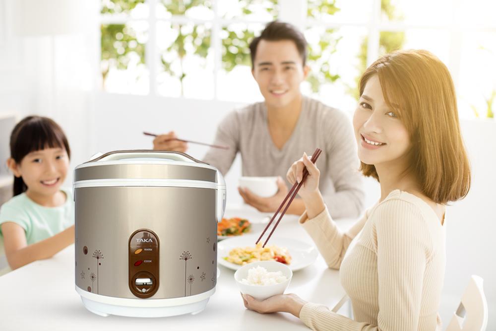 Nồi cơm điện Taka TK-RCD18R1 mang đến những bữa ăn ngon miệng cho cả nhà
